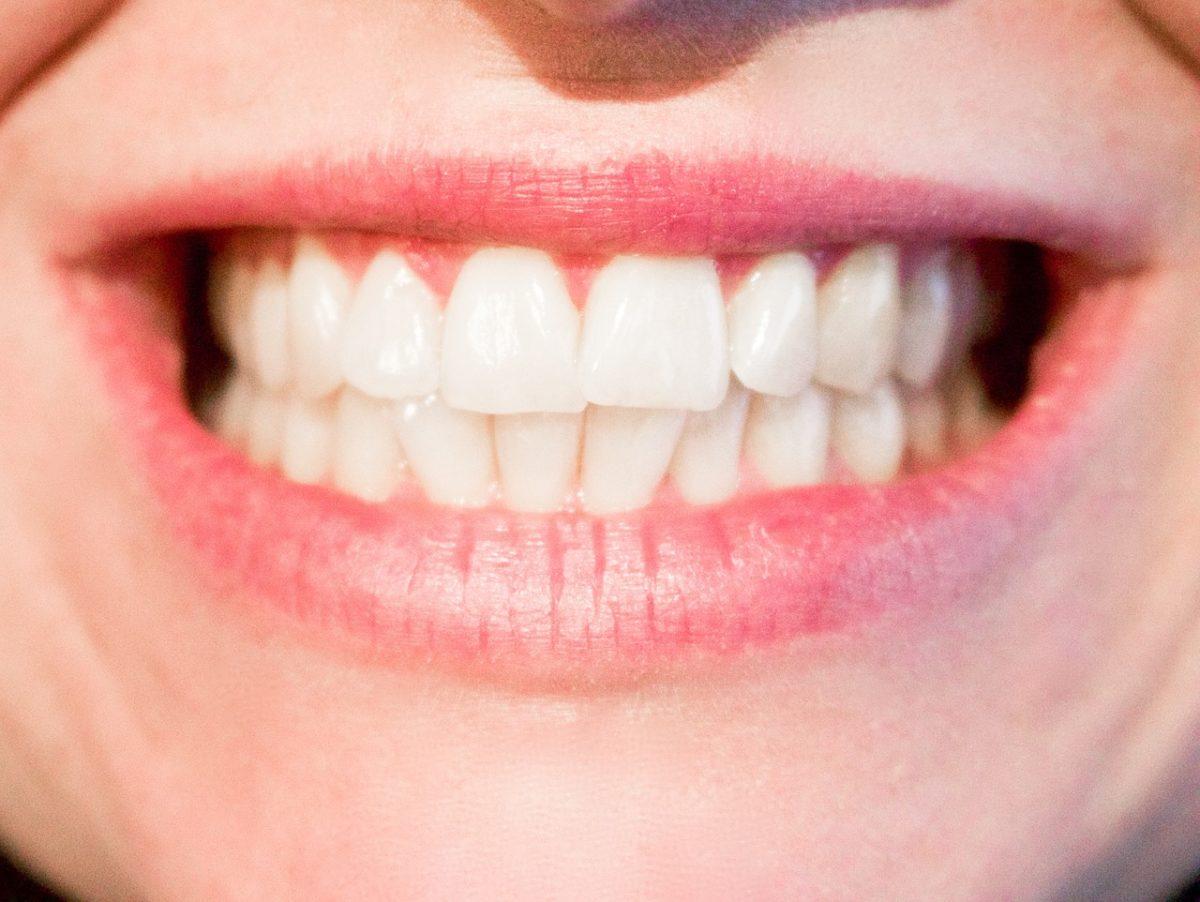 Aktualna technologia stosowana w salonach stomatologii estetycznej zdoła spowodować, że odbierzemy piękny uśmiech.